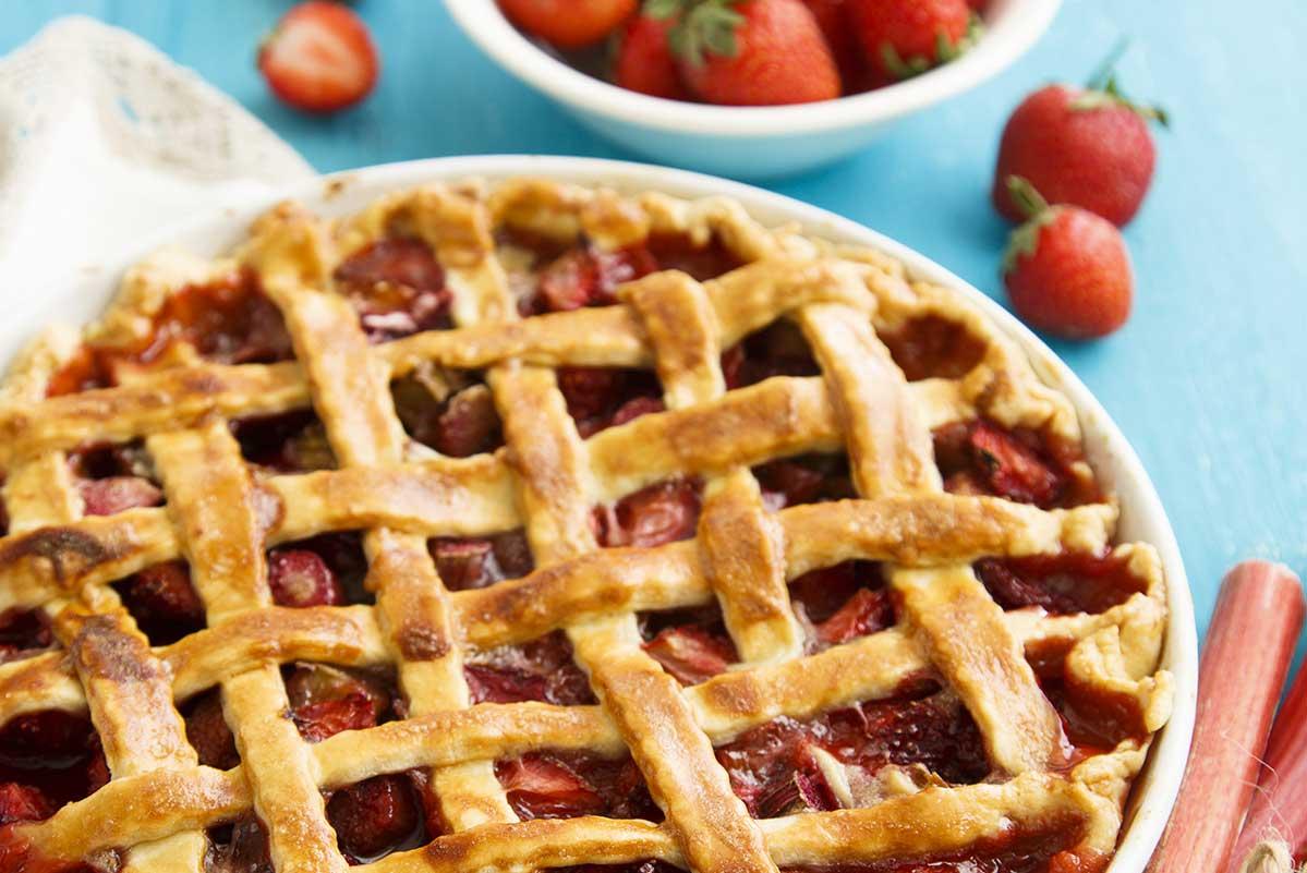 rhubarb strawberry pie, bc fresh rhubarb